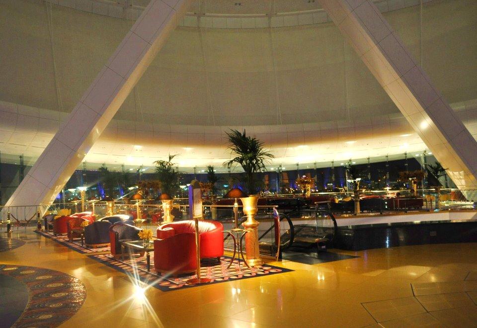 7 star hotel burj al arab dubaicreektower for Burj al arab hotel inside